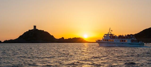 Balade en bateau dans les îles Sanguinaires au coucher du soleil