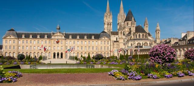 Tour privado por Caen con guía en español