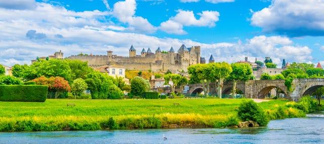 Ingresso do castelo e muralhas de Carcassonne sem filas
