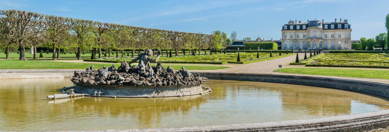 Entrada al castillo de Champs-sur-Marne sin colas