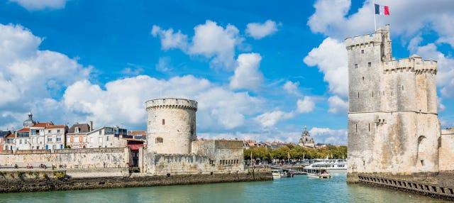 Entrada a las torres de La Rochelle