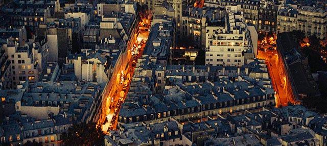 Cena en la Torre Eiffel, barco y Moulin Rouge