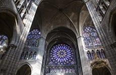 Entrada a la basílica de Saint-Denis sin colas