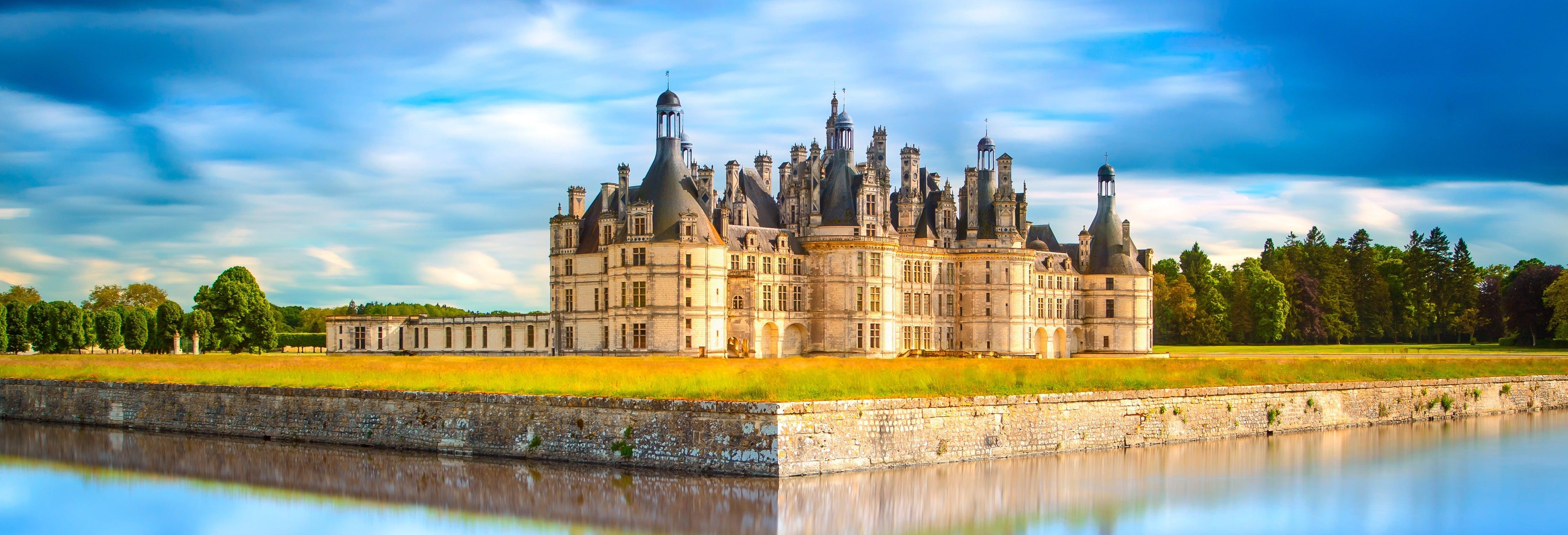 Excursion aux Châteaux de la Loire + dégustation de vins