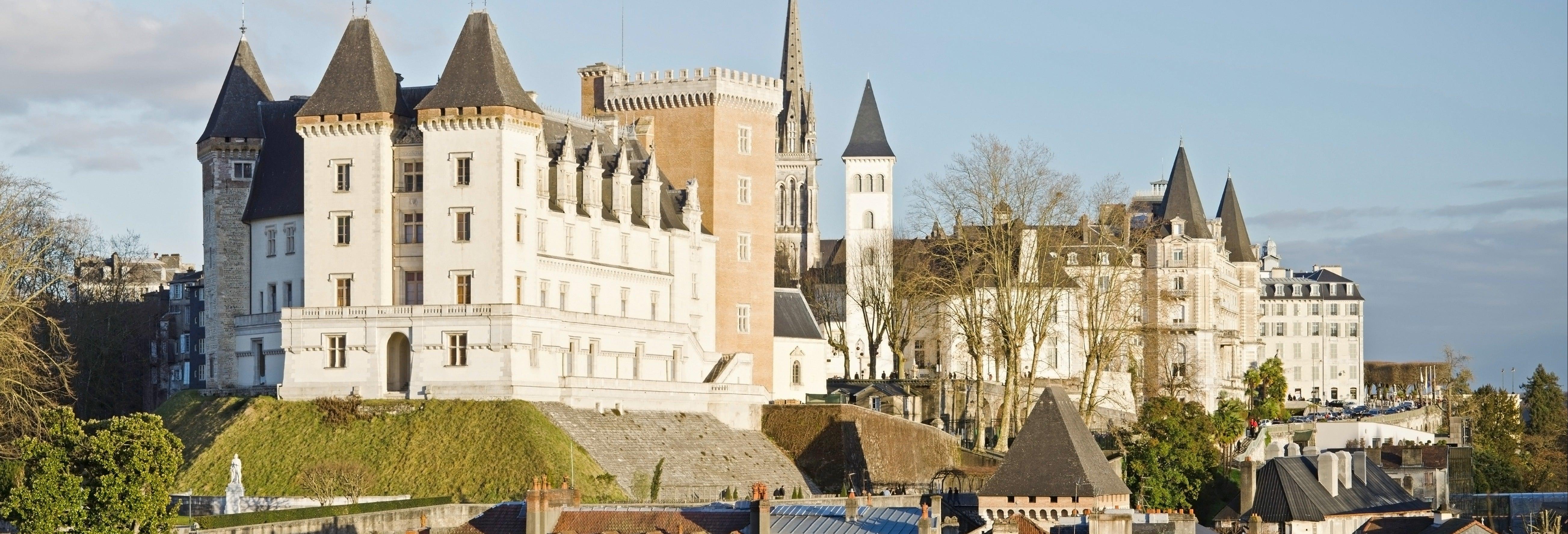 Entrada al Castillo de Pau