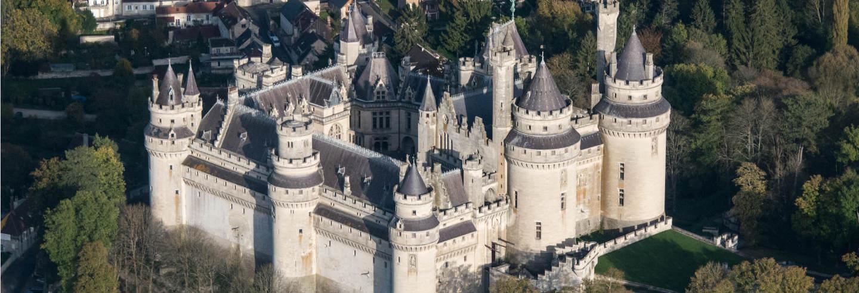 Entrada al castillo de Pierrefonds sin colas