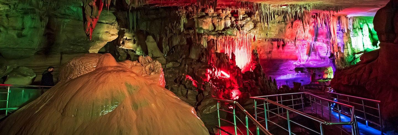 Escursione alle grotte di Prometeo e al canyon di Martvili
