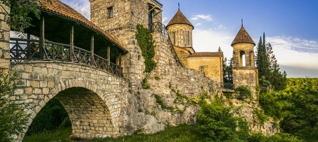 Excursión a la cueva de Prometeo + Monasterios Motsameta y Gelati