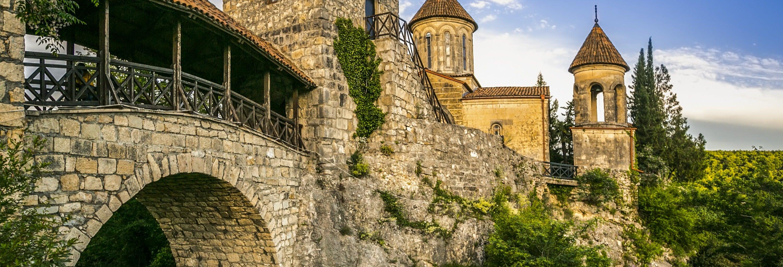 Escursione alla grotta di Prometeo + Monasteri Motsameta e Gelati