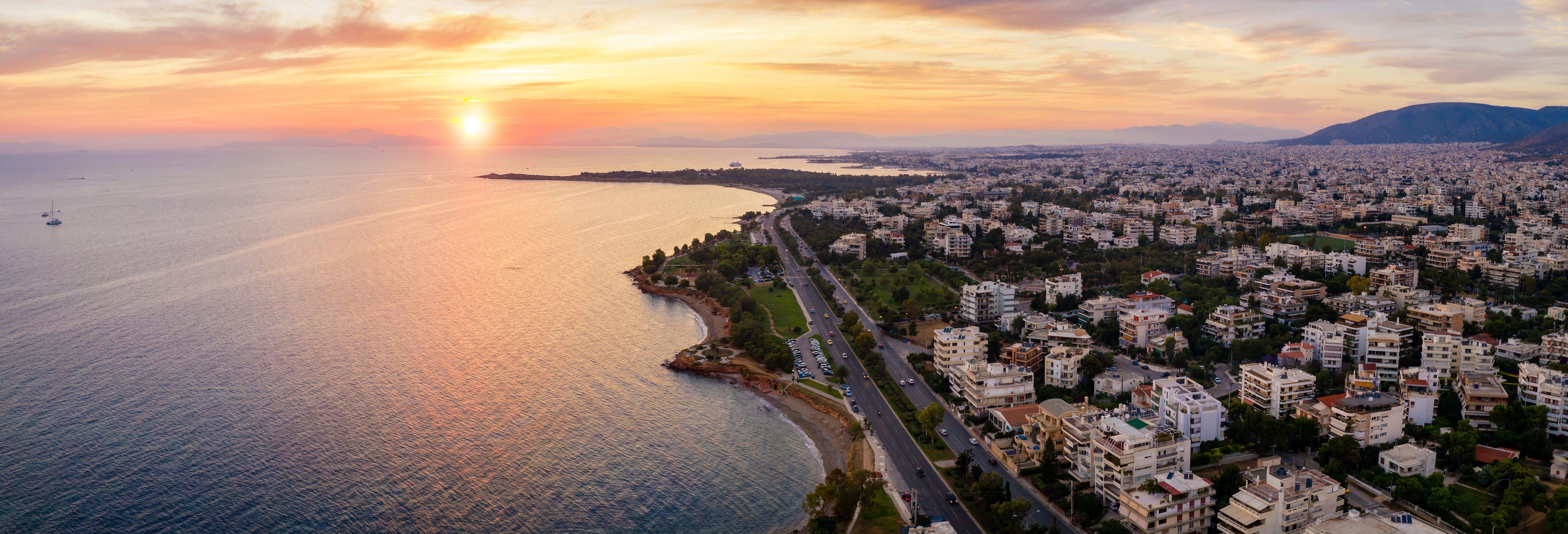 Giro in barca al tramonto sulla Riviera Ateniese