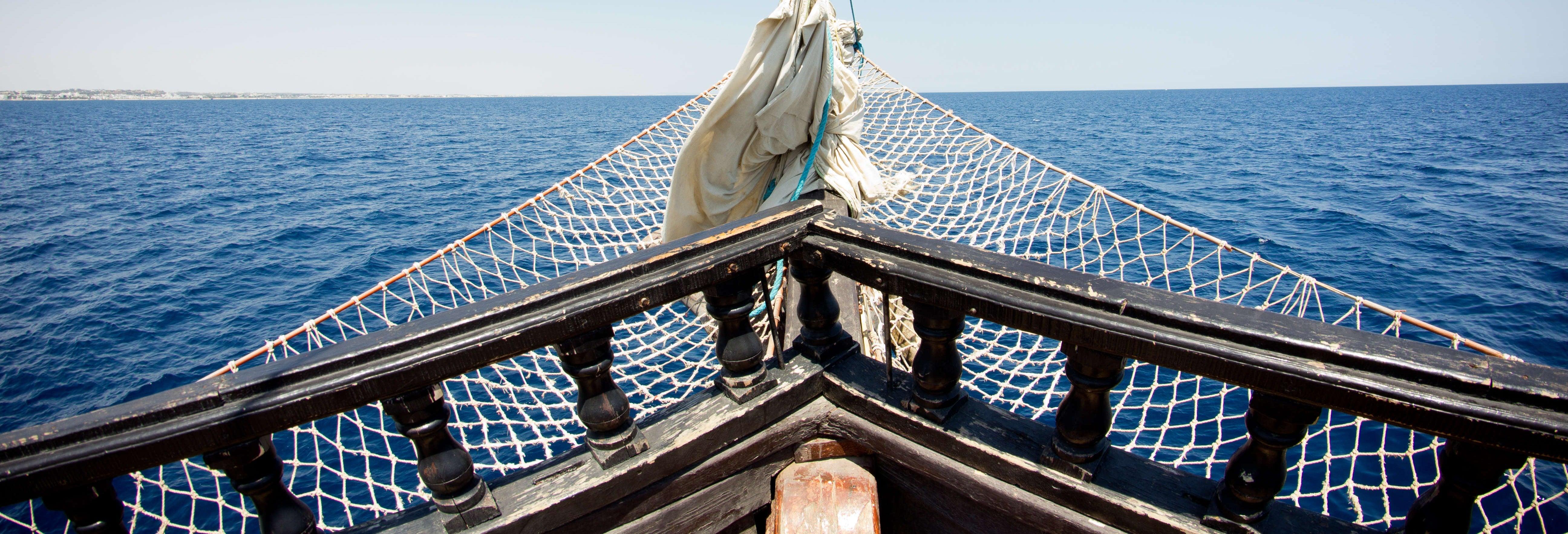 Paseo en barco pirata por Corfú