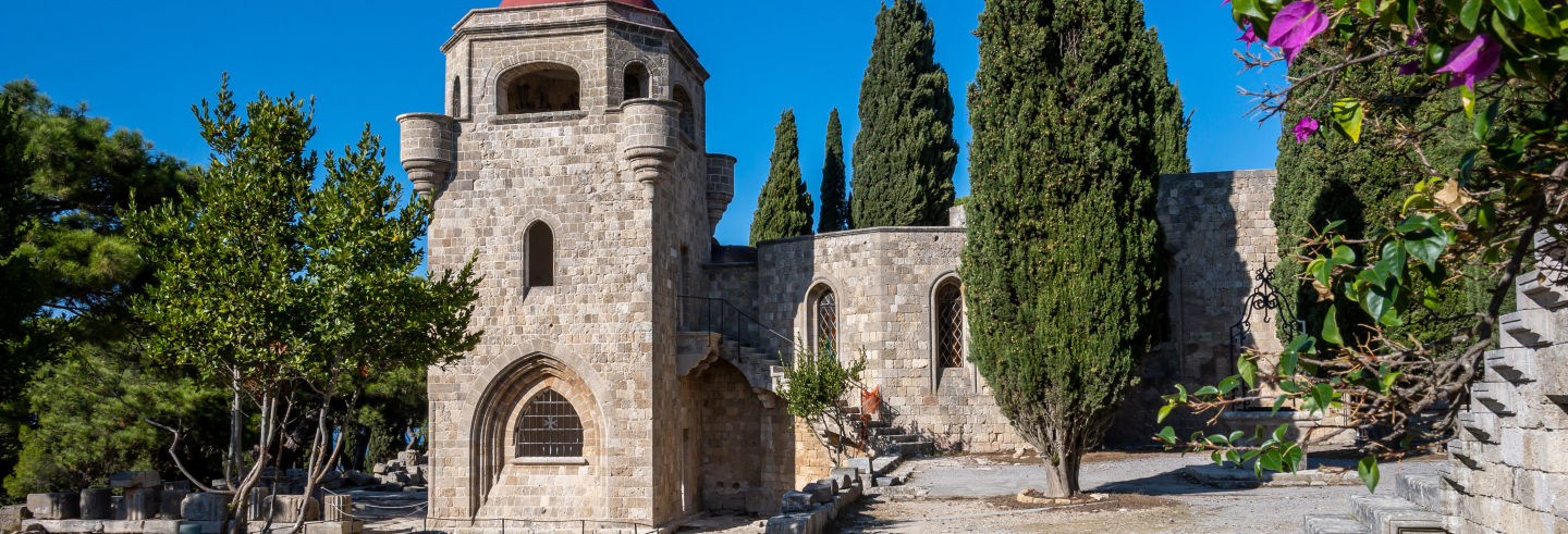 Excursão à colina de Filerimos e vale das Borboletas
