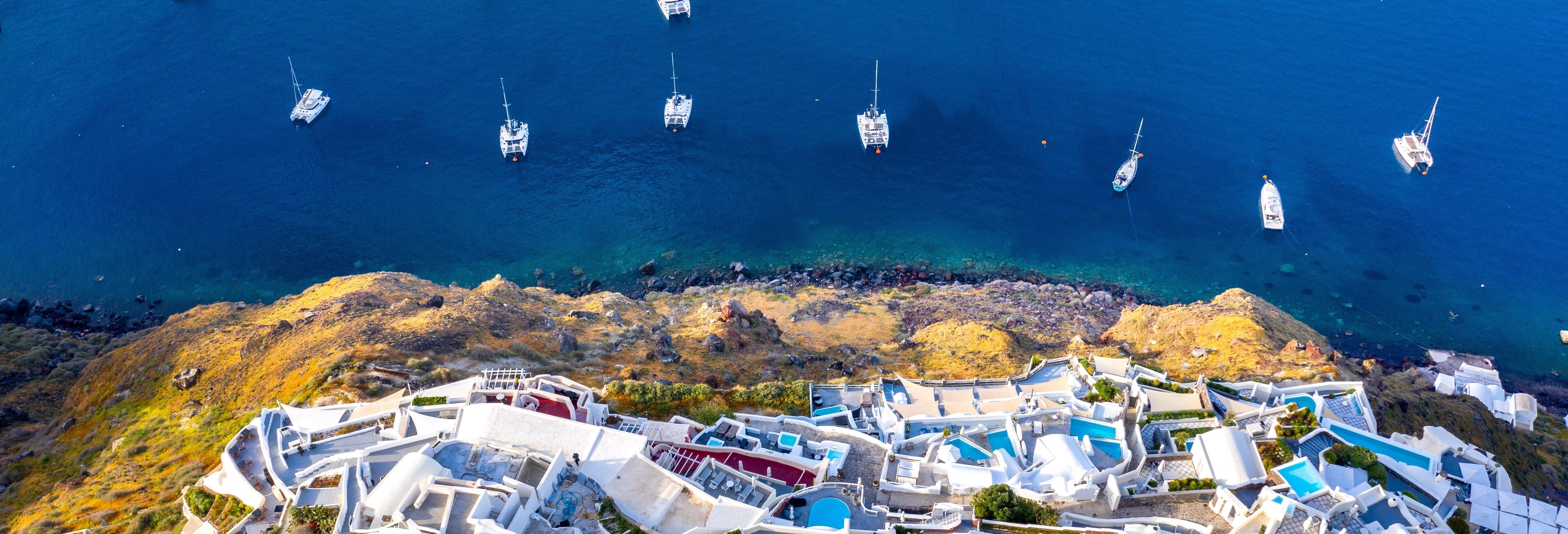Giro in barca alla Caldera di Santorini