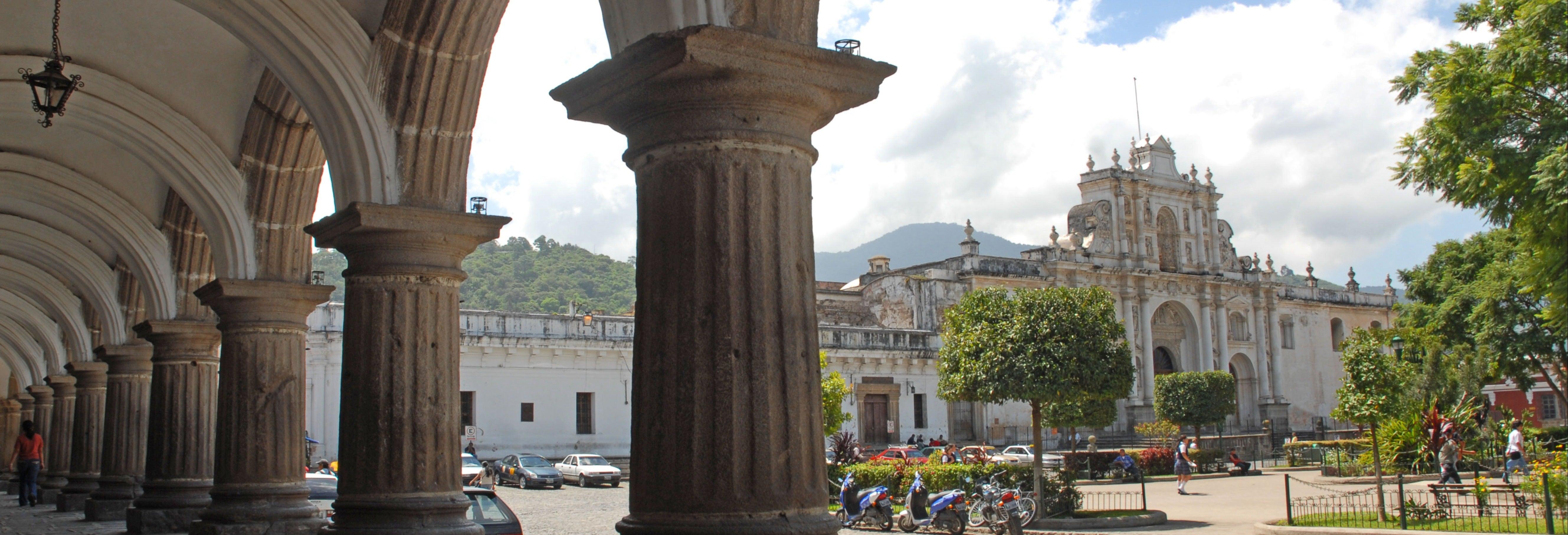 Excursion à Antigua Guatemala et aux thermes de Kawilal