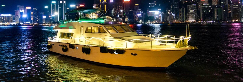 Croisière nocturne sur la baie Victoria en yacht
