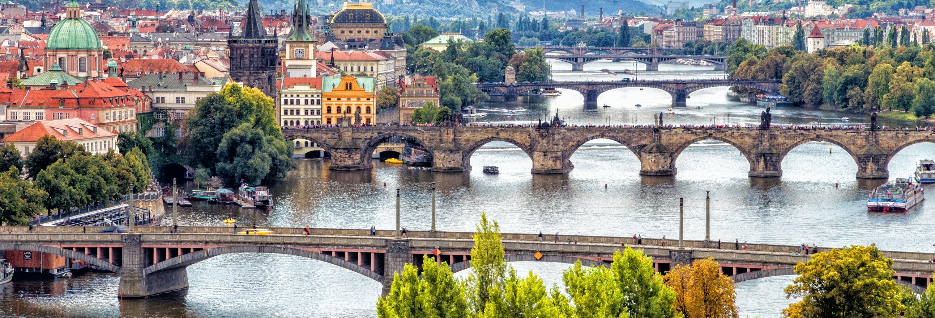 Tour de 4 días por Viena y Praga