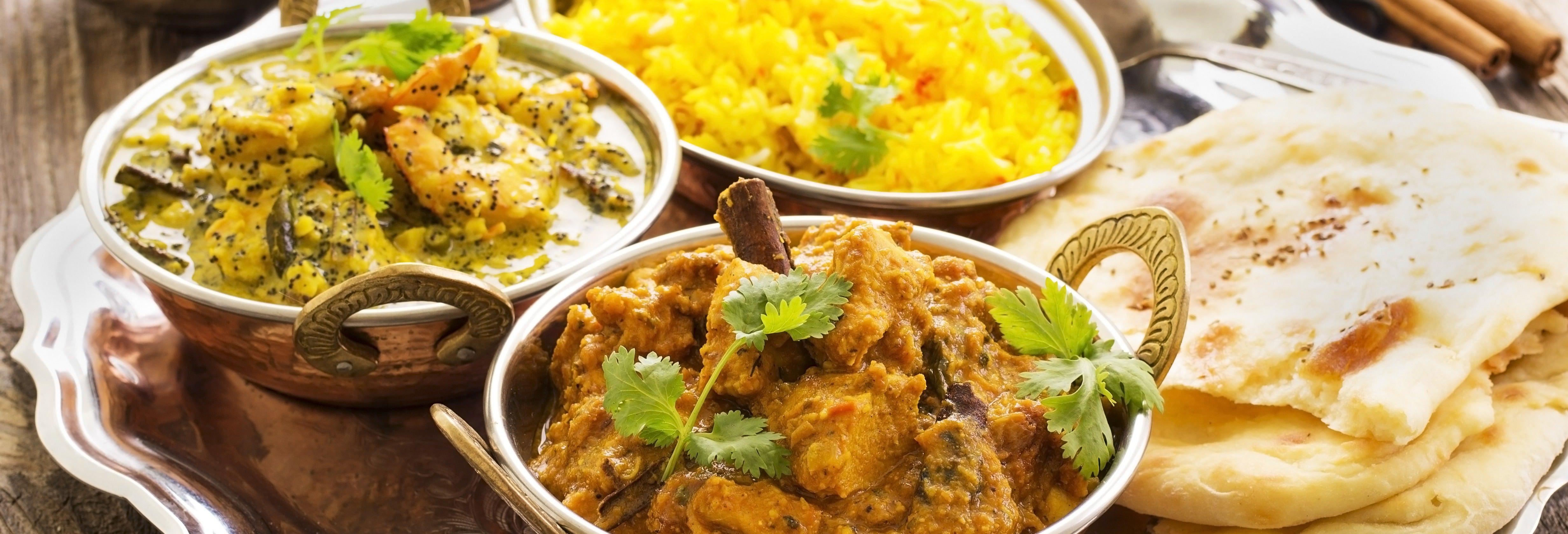 Clase de cocina y cena con una familia india