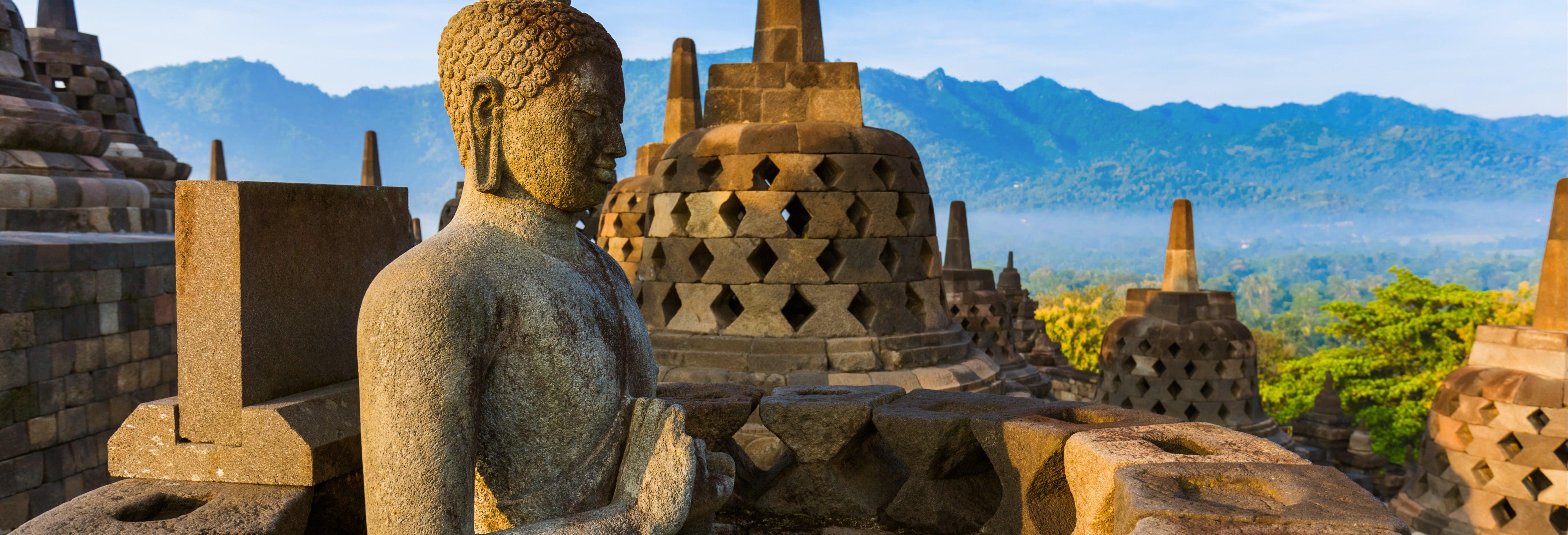 Excursión a Borobudur al amanecer y Meseta Dieng