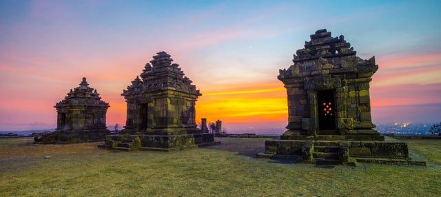 Tour privado por Yogyakarta y templos Prambanan y Borobudur