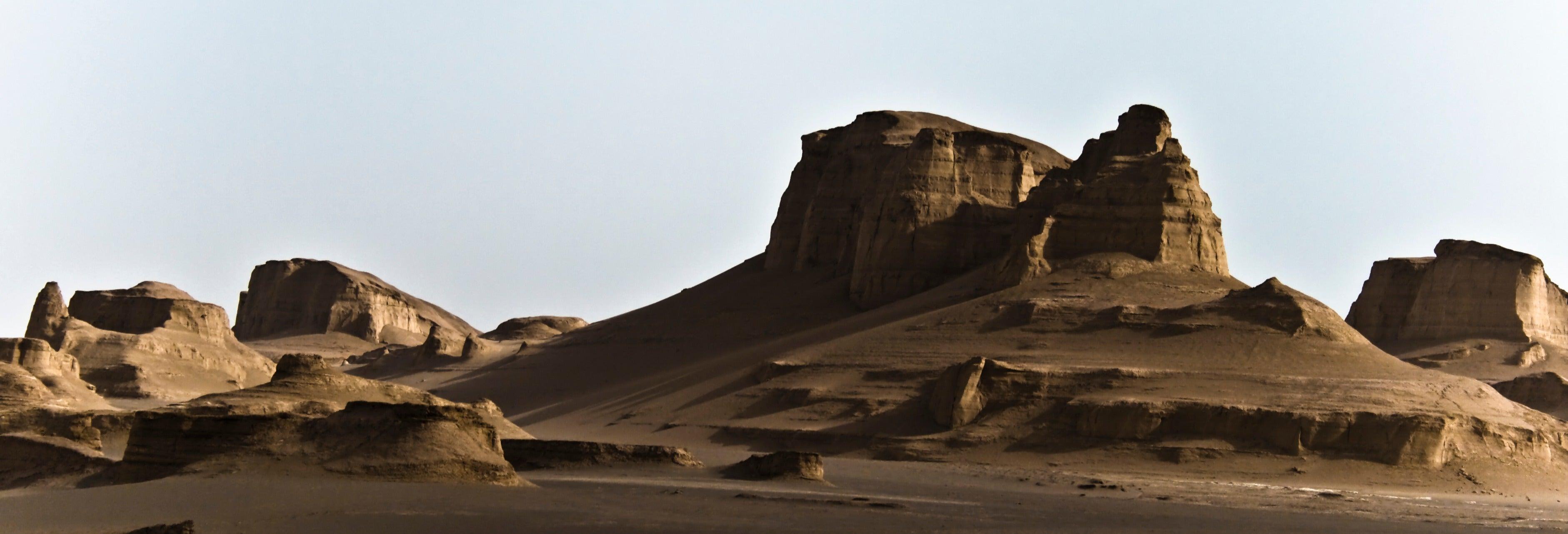 Elysium: Sombras em Nevriande (D&D 3.5) Desert-safari-kaluts-shahdad