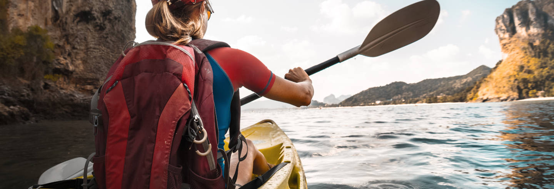 Tour privado en kayak por las cuevas de Connemara