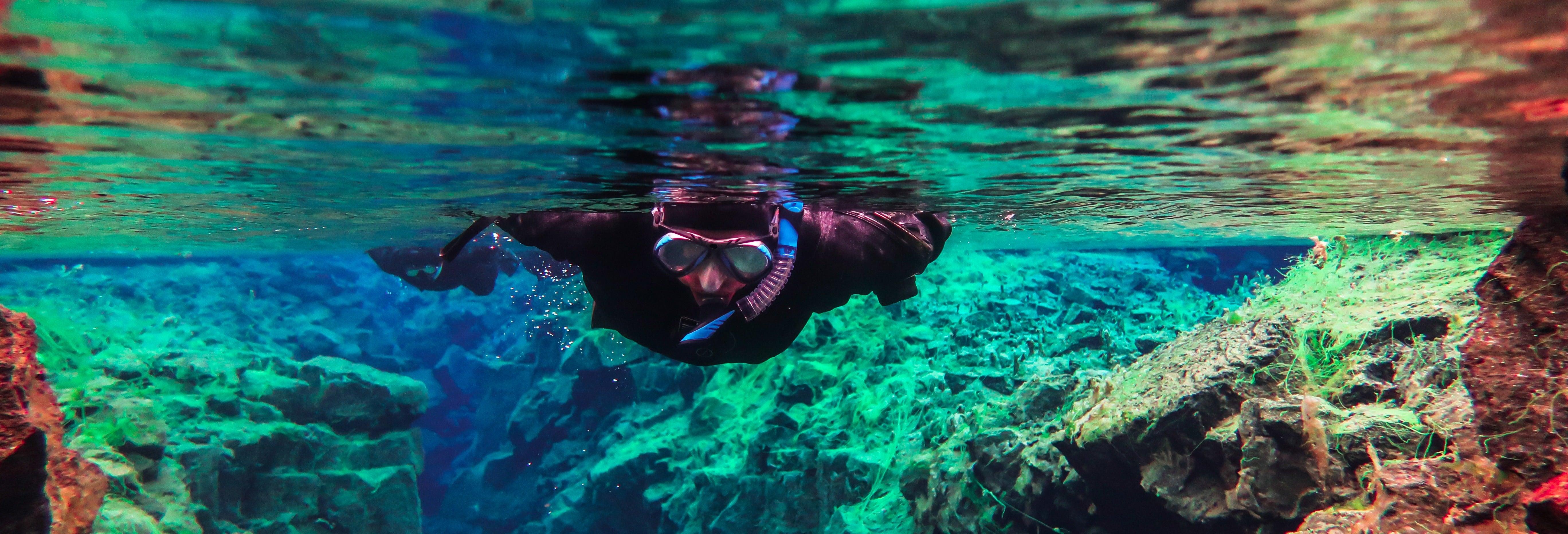 Snorkel pela fissura de Silfra