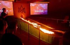 Spectacle de lave en fusion à Vík