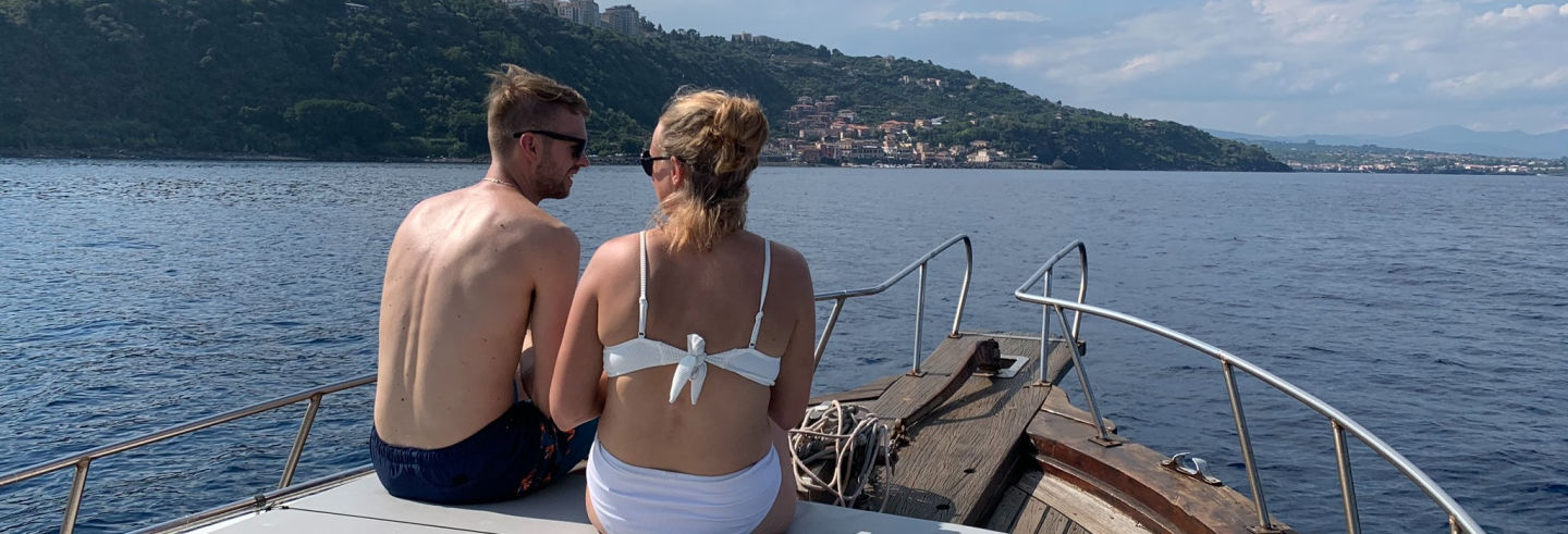 Balade en bateau aux Îles Cyclopes et à la Réserve La Timpa