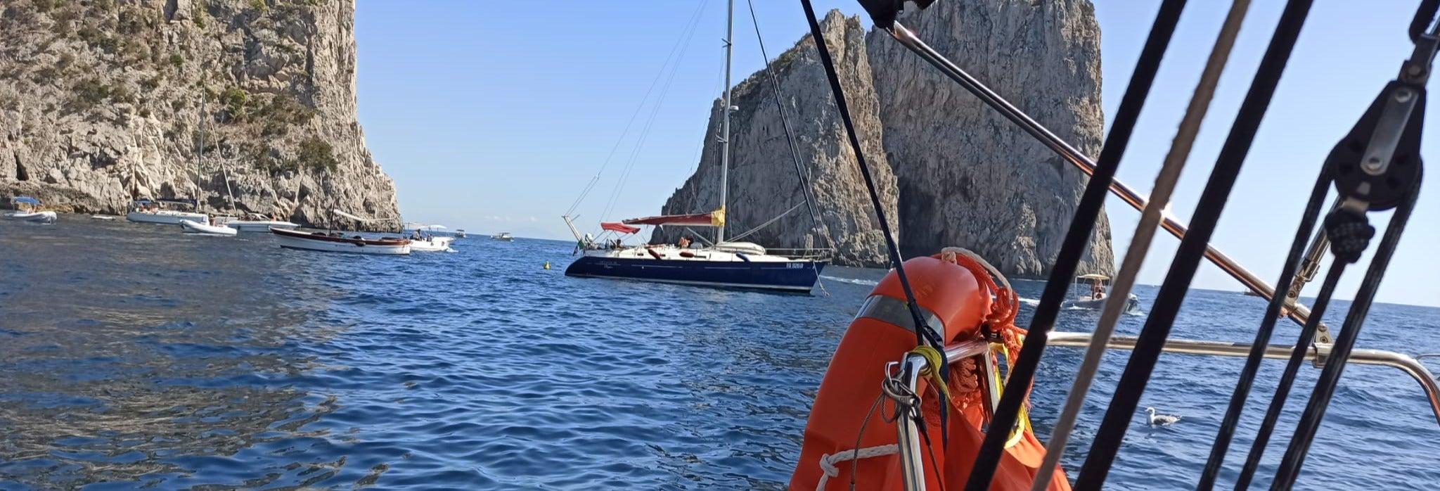 Paseo en velero por la península de Sorrento