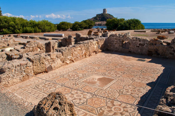 Mosaic architecture in Nora