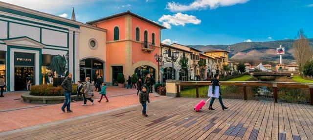 Tour de compras por los outlets de Florencia