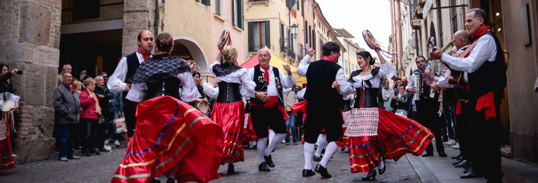 Pizzica a Lecce: corso di ballo privato