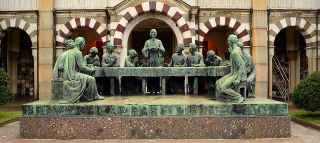 Tour por el Cementerio Monumental de Milán