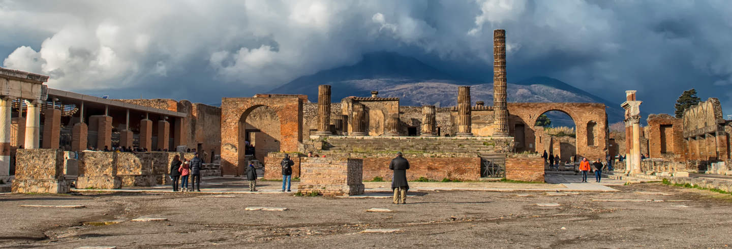 Ancient Pompeii Experience: Walking Tour and Gastronomic Journey