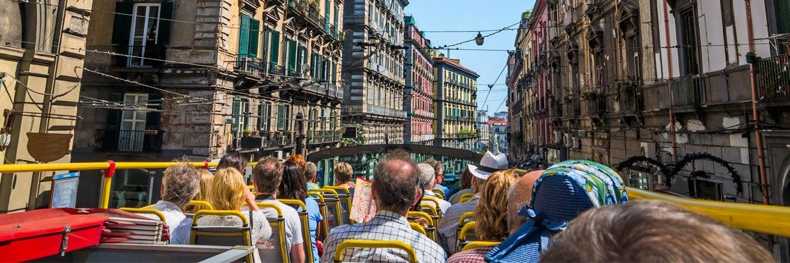 Ônibus turístico de Nápoles