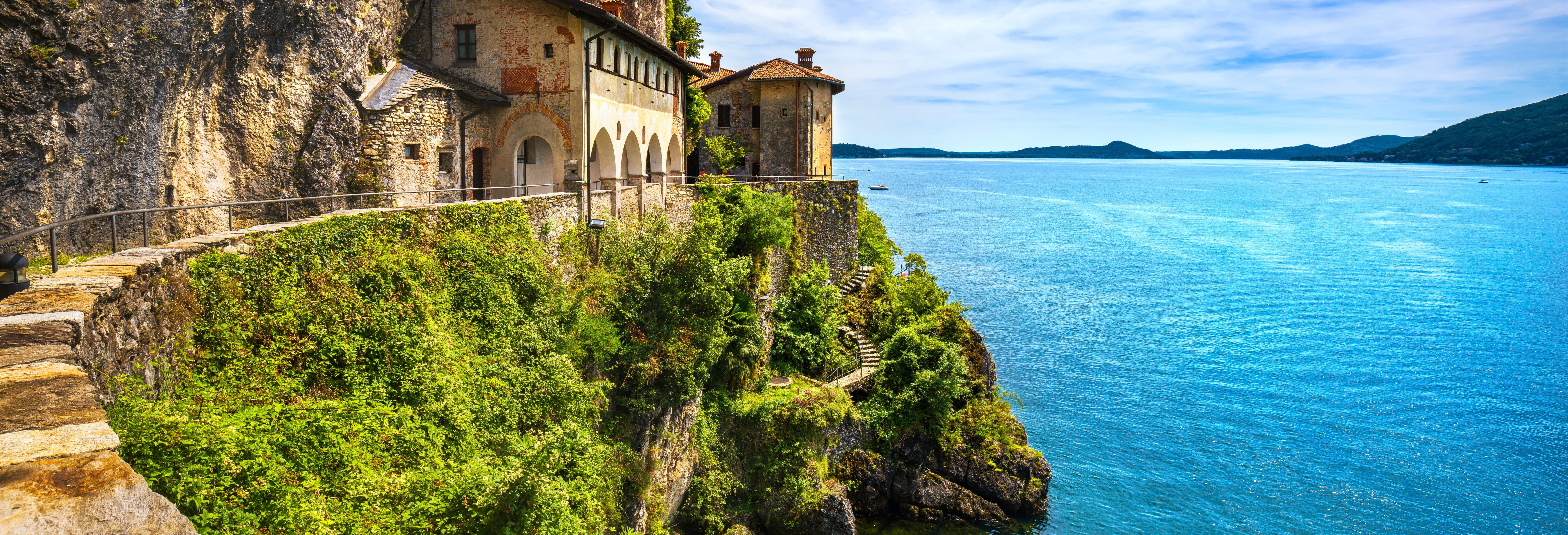 Paseo en barco por las villas del lago Mayor