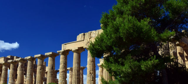 Selinunte Acropolis & Beach Excursion
