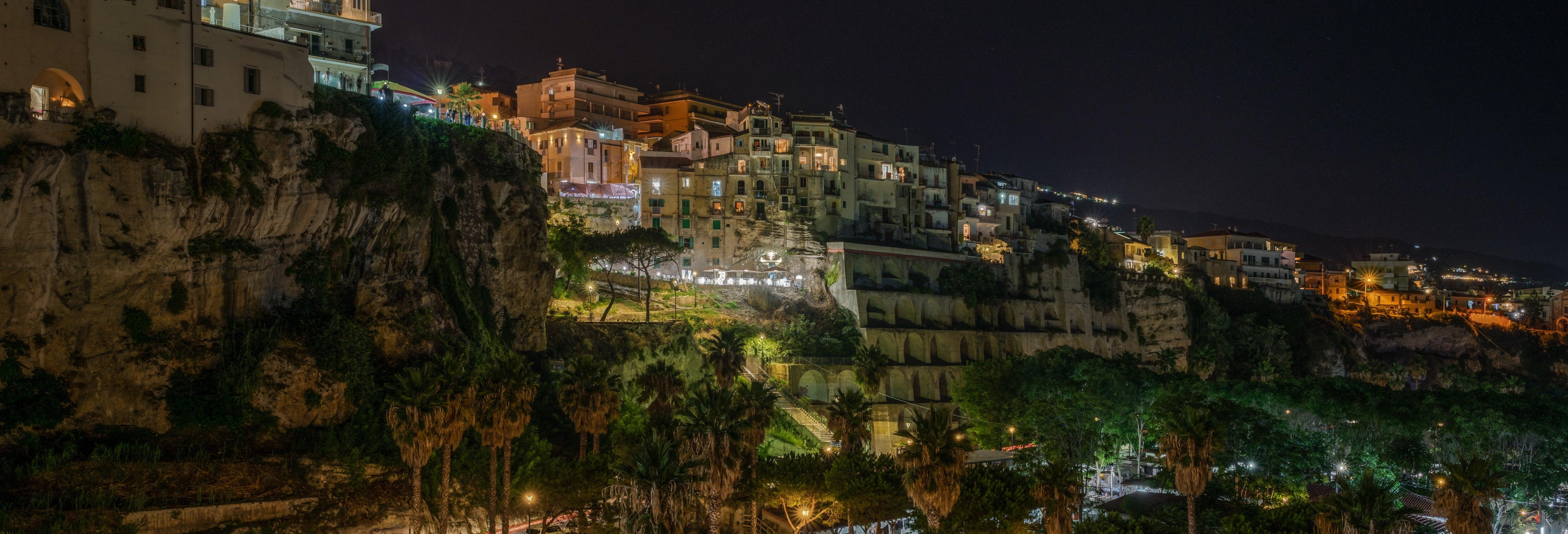 Tour noturno por Tropea