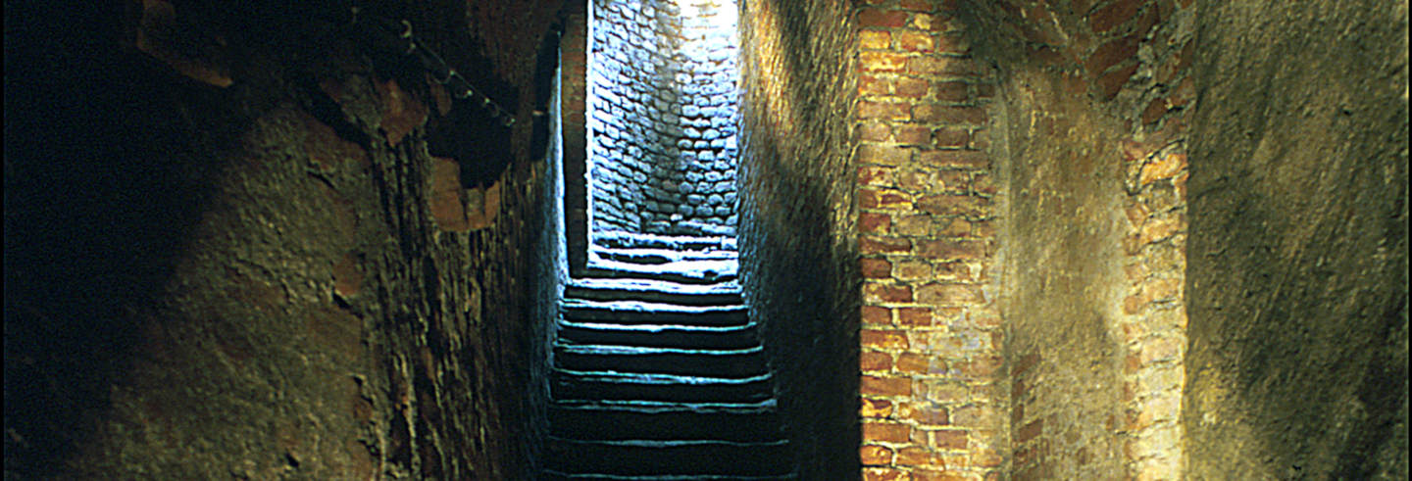 Tour por los subterráneos de Turín