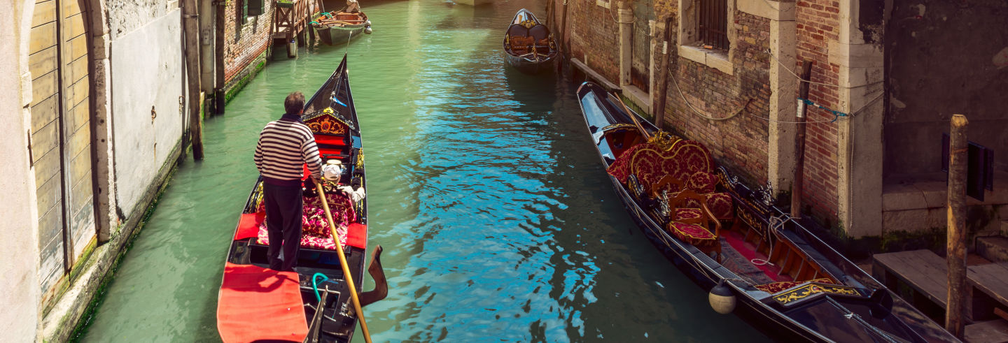 Gondola Ride With Serenata