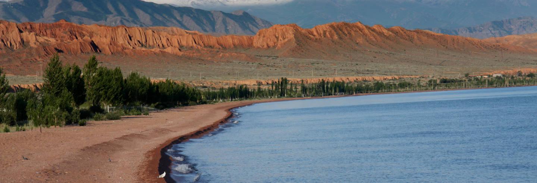 Excursão privada de 2 dias ao lago Issyk-Kul e à Torre de Burana