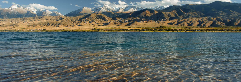 Excursión privada al lago Issyk-Kul y Torre de Burana