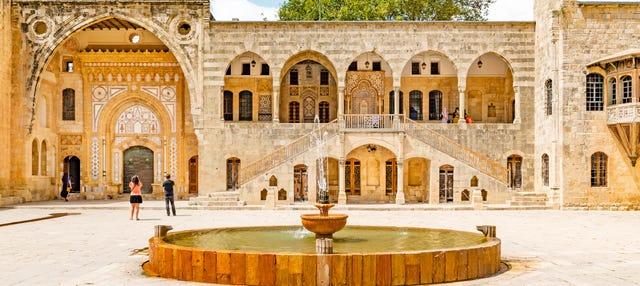 Excursión al Palacio de Beiteddine y Deir el Qamar