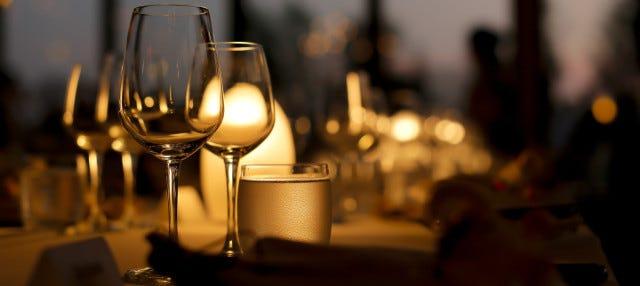 Cena en el restaurante giratorio de la Torre de Macao