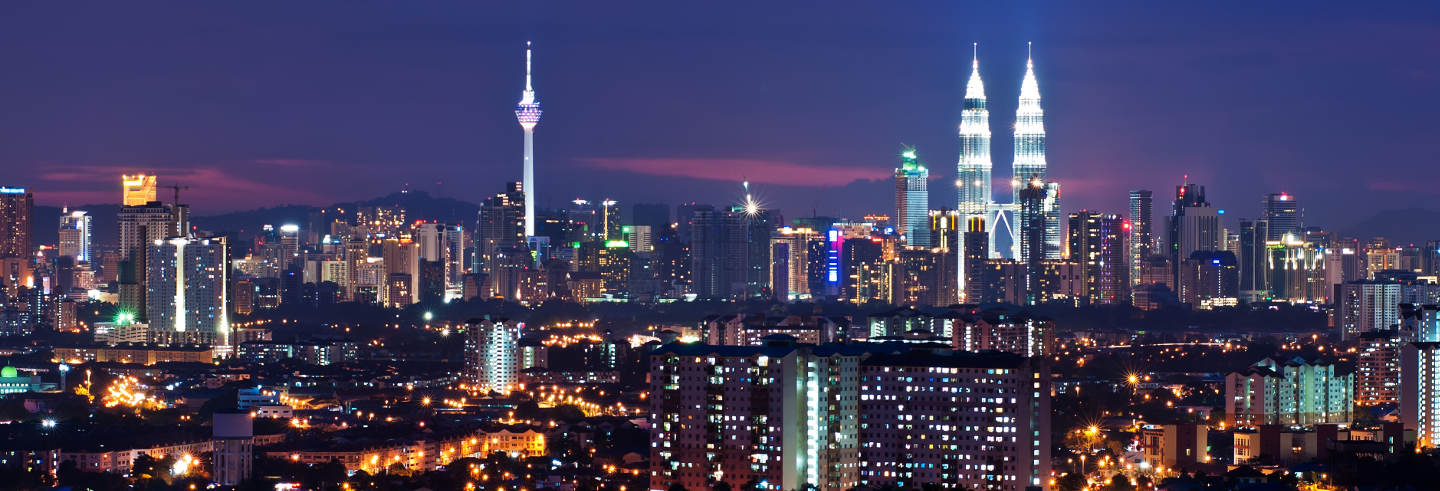 Night tour of Kuala Lumpur with Dinner and Show