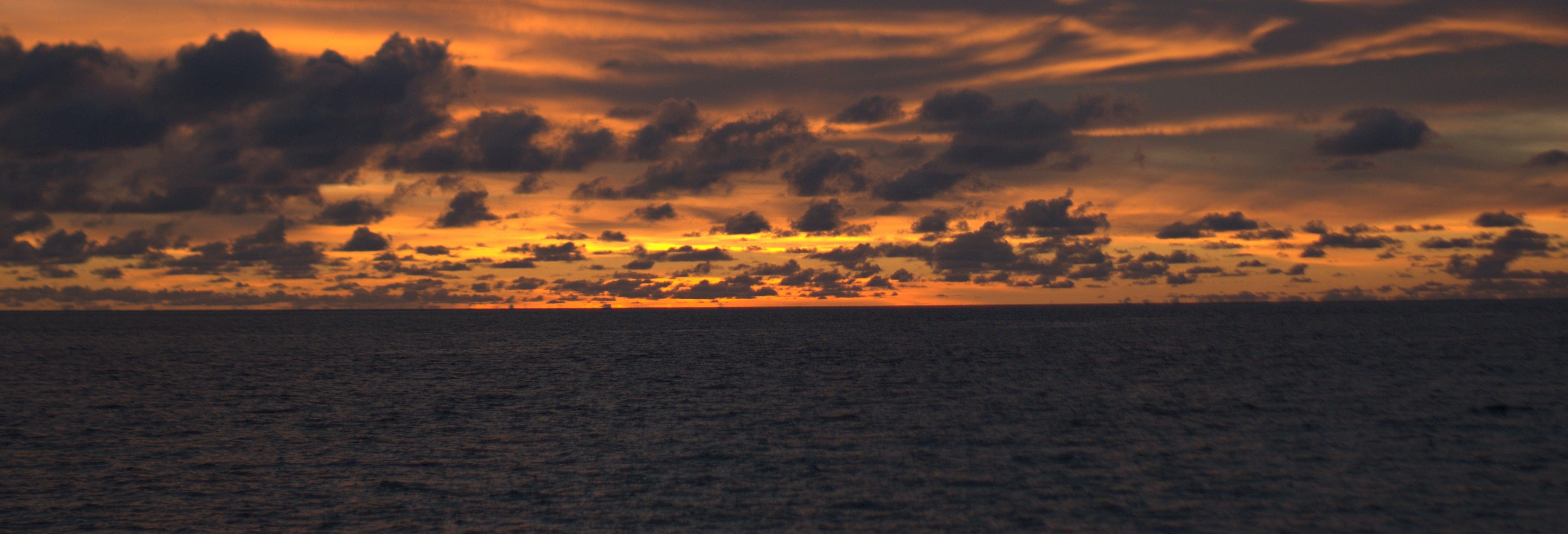 Paseo en barco al atardecer + Snorkel