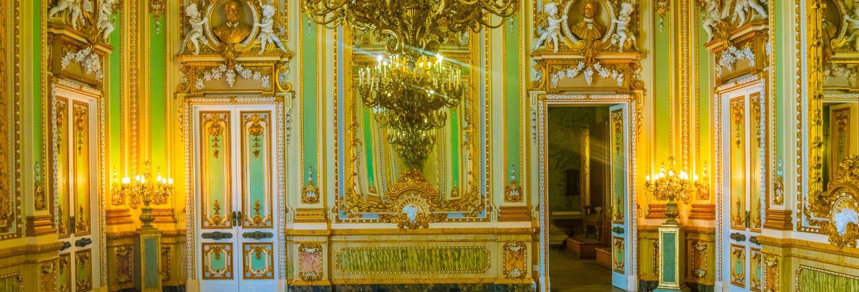 Escursione al Palazzo Parisio + cantina vinicola