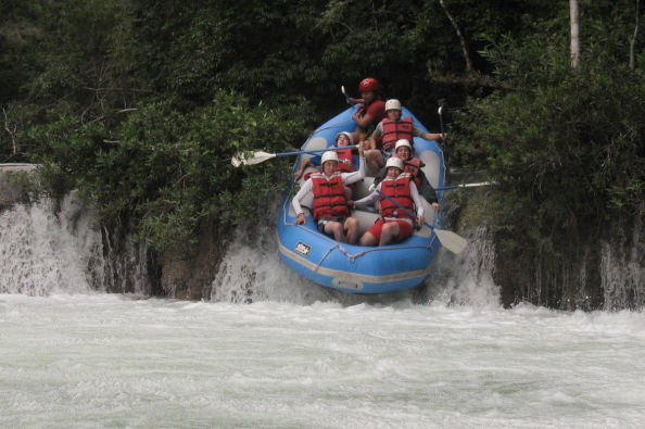 Rafting on the Pescados River