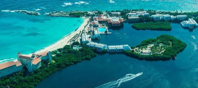 Paseo en avioneta por Cancún al atardecer