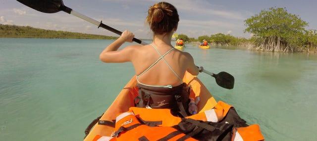 Tour en kayak por la laguna Bacalar